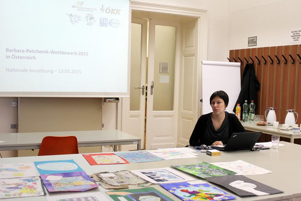 Koordinatorin des österreichischen Wettbewerbes, Dr. Eszter Simonné-Dombóvári
