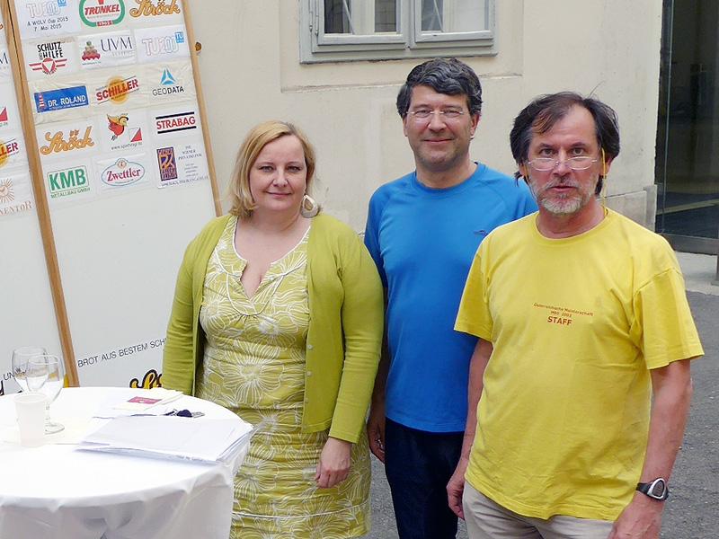 Siegerehrung mit Susanne Schwinghammer vom TU200-Büro, Georg Gartner und Paul Grün der OL-Gruppe Ströck Wien